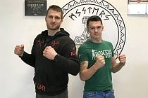 Jakub Ibl (vlevo) s dalším kladenským bojovníkem Filipem Barcalem.