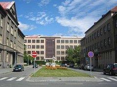 Gymnázium V. B. Třebízského Slaný (budova v čele)
