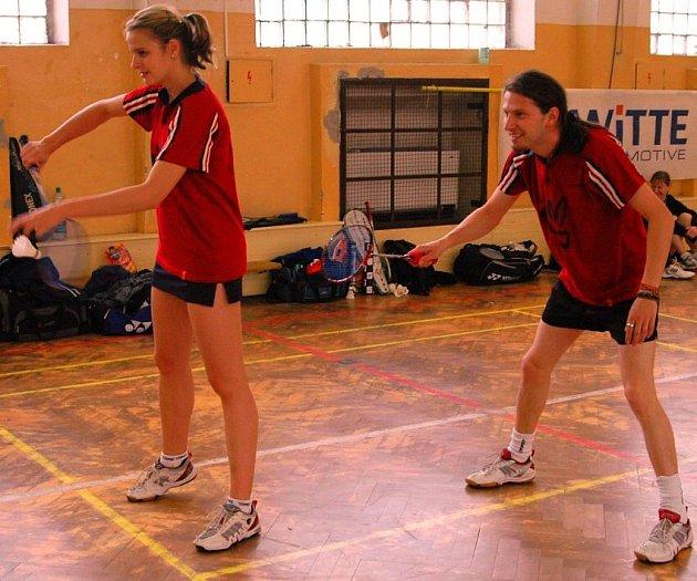 Trojnásobná vítězka dvouhry na turnaji v Nejdku Monika Erbenová s Danem Skrčeným.