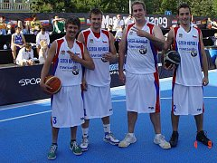 USURPATORS HIGH 5 si znovu zahráli na mistrovství světa ve streetballu. Letos skončili devátí, když prohráli v osmifinálovém zápase se Slováky.