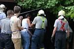 Náročný zásah hasičůů trval dvě a půl hodiny.