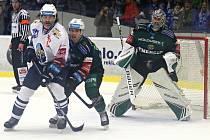 Hokejová extraliga: Kladno (v bílém) hostilo Karlovy Vary.