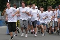 Slavnostní start běhu z Kladna do italských Benátek.