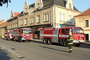 Požár v garáži rodinného domu v Unhošti.