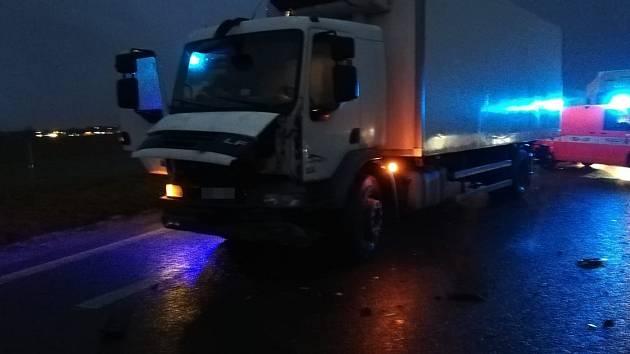 Na dálnici D7 u Makotřas došlo k dopravní nehodě.