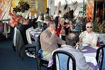 Třiapadesát členů kladenské SONS si v sobotu v hotelu na Sítné zvolili své zástupce.