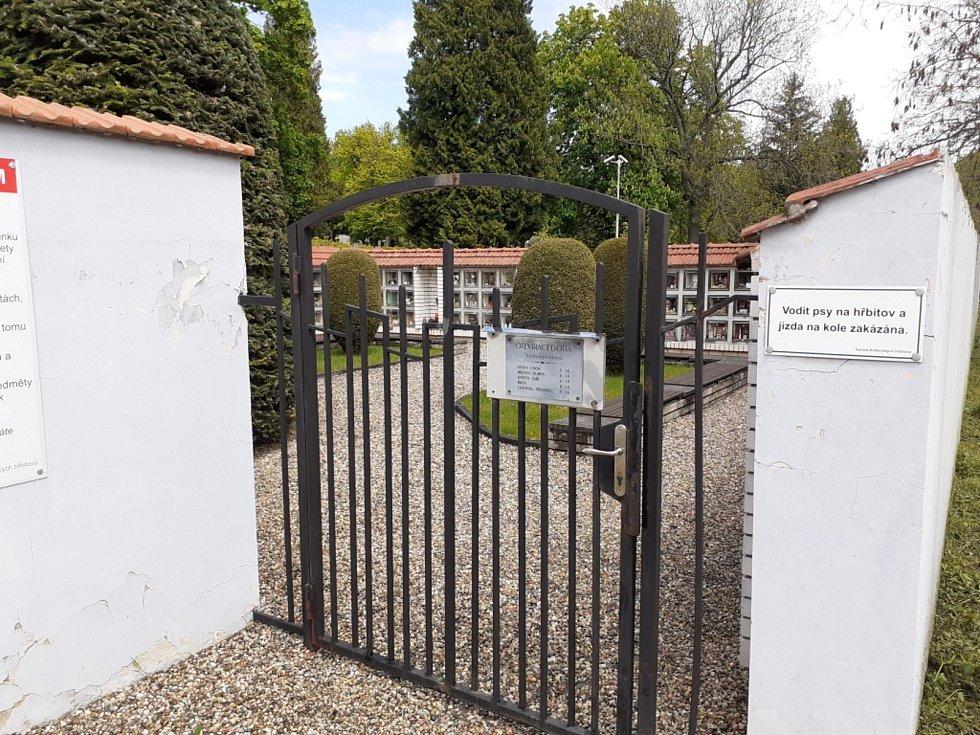 Kladno rozšíří kolumbárium na hlavních hřbitovech a zvelebí i ostatní prostory.