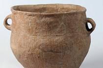 Knovízská kultura nese název podle obce Knovíz.