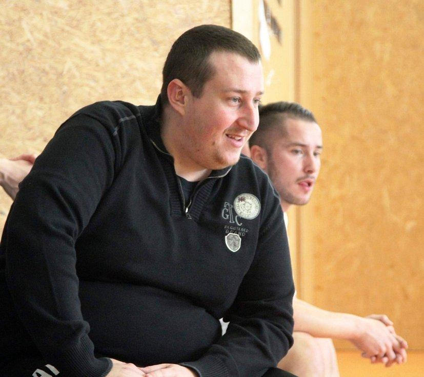 Velký turnaj SKFS rozhodčích se odehrál v Unhošti, vyhrál Mělník. Pořadatel Adam Kindl