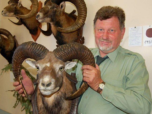 Mohutnou trofejí muflona se mohl na výstavě mysliveckých trofejí pochlubit Petr Frühauf.