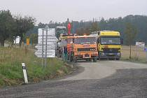 Oprava silnice znemožňuje přístup zákazníků i dodavatelů místním podnikatelům.
