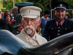 Podprůhonem prošel průvod i s prezidentem T.G. Masarykem.