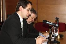 DAVID HUBENÝ přednáší na téma Odbojová činnost a věznění československého důstojníka Karla Prášila.