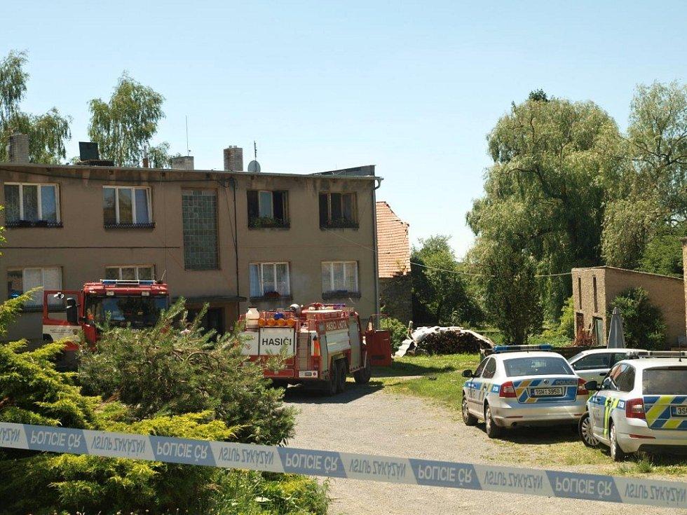 V bytovém domě v Bělči ve čtvrtek hořelo. Požár byl založen úmyslně.