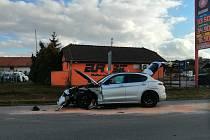 Dopravní nehoda u benzinky v lokalitě Na Čubě ve Slaném.