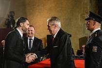 Dva významní kladenští rodáci získali ocenění z rukou prezidenta republiky.