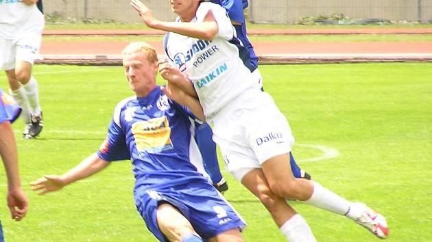 Michal Bayer (vlevo) si v Německu zahrál druhý poločas.