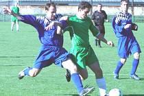 Kročehlavský Jan Hehejík (v zeleném) ještě jako mladík. Teď už hraje za staré pány...