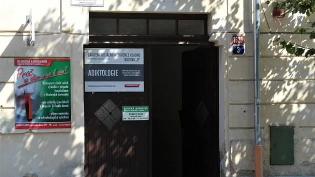 V prostorách Zařízení sociální intervence Kladno v ulici Jana Palacha byla ve čtvrtek 1. září 2016 oficiálně zahájena činnost adiktologické ambulance pro mládež.