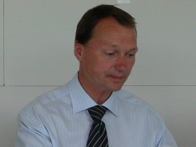předseda atletického klubu AC Tepo Kladno Jiří Klesnil.