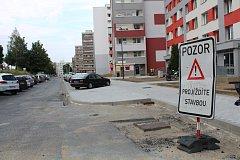 Rekonstrukce kladenské ulice Václava Rabase by měla trvat do konce září.