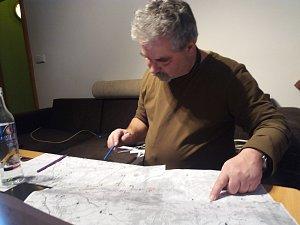 Poslední přípravy tras na Keltský telegraf. Na snímku vrchní slánský čert Whitejoker.