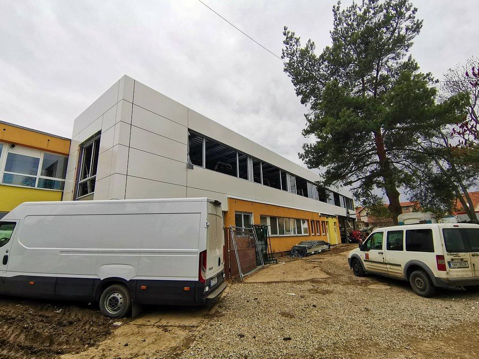 V Unhošti rozšíří kapacitu původní mateřinky ve Wolkerově ulici na 200 dětí.