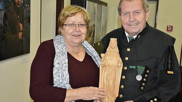 Setkání horníků Klubu přátel hornických tradic Kladno v Hornickém skanzenu Mayrau k uctění patronky sv. Barbory.