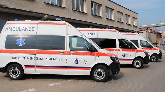 Ve vozovém parku kladenské nemocnice přibyly tři nové sanity.