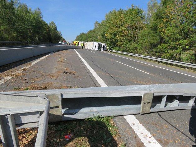 Dálnice byla blokována od dopoledne až do šestnácté hodiny.