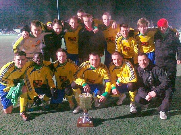 Fotbalisté Sokola Hostouň slavili triumf na Weber Cupu v roce 2013