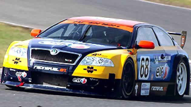 Jiří Jupa  se letos konečně dočkal. Na závěr sezony se svojí Škodou  Octavia  získal  v kategorii cestovních vozů český titul.