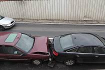 V Kladně U Hvězdy se srazila tři auta.