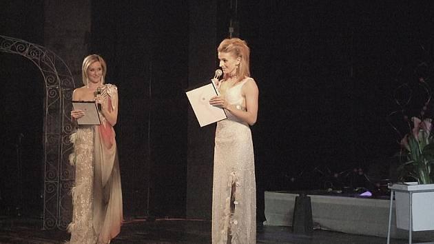 AKCI MODEROVALY Jovanka Vojtková a Ivana Jirešová.