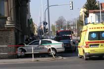 Přímo v centru Kladna havarovaly dva osobní automobily. Jeden z nich byl policistů.