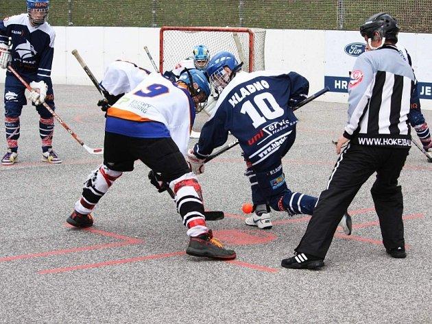 Mladší dorost Alpiqu (v modrém) v Ústí sice v sobotu prohrál, ale v neděli už ne a postoupil do semifinále play-off.