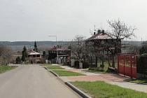 Dřevěnkov je částí Tuchlovic, kde dříve bydleli především místní horníci.
