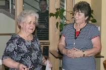 """HANA NĚMCOVÁ (vlevo) je přímou svědkyní zákolanského masakru z 8. května 1945.  """"Jsem vděčná za to, že jsem svou rodinu a děti nemusela nikdy takovým hrůzám vystavit,"""" říká."""
