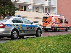 Chodkyně kličkovala po ránu mezi auty v Záfortenské ulici a to se jí stalo osudným.