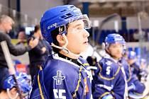 Hokejové Kladno slaví první výhru v sezoně, doma porazilo Frýdek 4:1. Debutant Šimon Jelínek