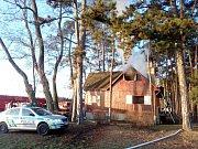 Požár myslivecké chaty Libovice.