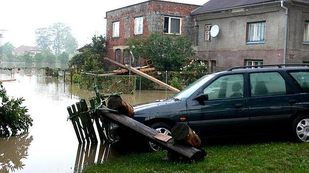 Finanční pomoc ze Želevčic putuje také do povodněmi zasaženého Jeseníka nad Odrou.