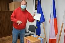 Senátní volby II. kolo ve Pcherách a Knovízi.