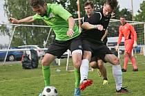 Duel o třetí místo sehrály týmy SK Lány a FC Netrénujeme // Fotbalový turnaj 4+1 / Lidice