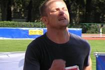 Vítězem netradičního schodišťového maratonu se stal Kladeňák Michal Pinkner.