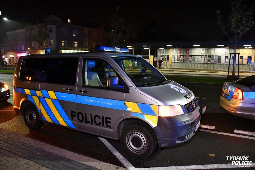 V Kladně se stala ve čtvrtek kolem půl sedmé večer tragická dopravní nehoda. Osobní auto srazilo v centru města ženu. Ta střet nepřežila.