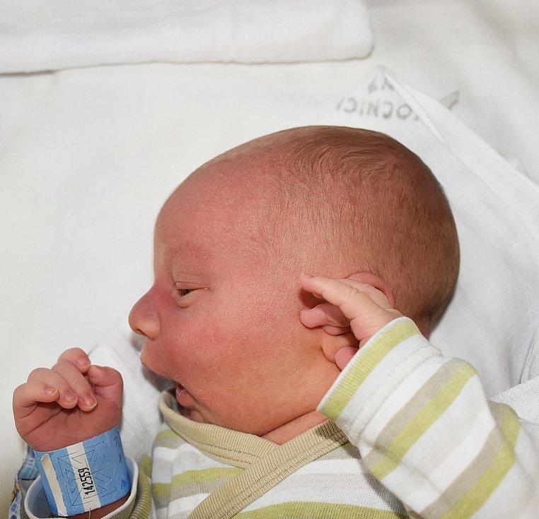 LUKÁŠ TŮMA, KRALUPY NAD VLTAVOU. Narodila se 3. června 2017. Váha 3,86 kg, míra 52 cm. Rodiče jsou Monika Machotová a Tomáš Tůma. (porodnice Slaný)