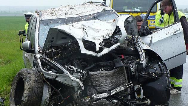 Nehoda na silnici 1/7 u Buštěhradu