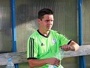 Velvary (v zeleném) prohrály v MOL Cupu s Hradcem Králové 0:1. Antonín Holub