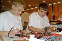 Druhý veletrh technických oborů a 13. veletrh celoživotního vzdělávání začíná v Domě kultury v Kladně dnes od 13 hodin.